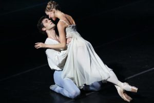 Romeo-e-Giulietta-Alina-Somova-Roberto-Bolle-ph-Brescia-Amisano-Teatro-alla-Scala_2
