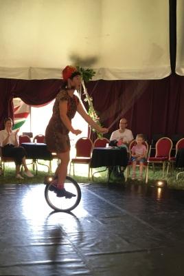 mona circo